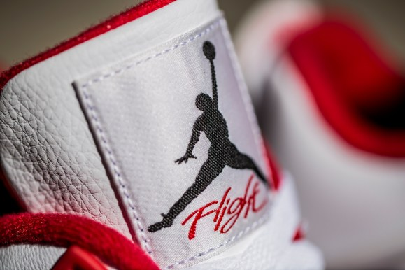 Get Your Best Look at the Air Jordan IV 'Alternate 89'-6