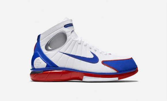 d1afbb376823 Re-Live a Mamba Moment in this Nike Air Zoom Huarache 2K4  All-Star ...