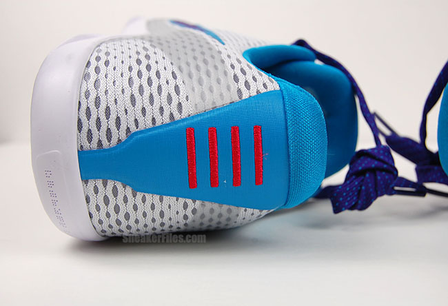 Get Up Close and Personal with the Nike Kobe 11 EM 'Draft Day' 7