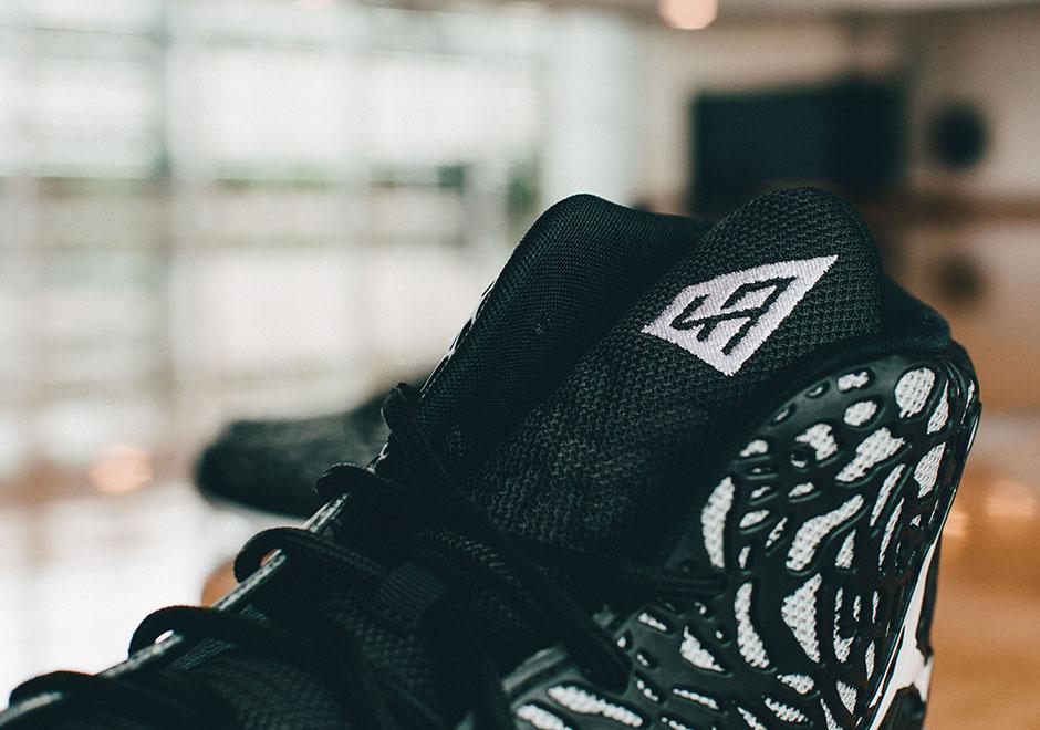 5a8e042142e1 Jordan Brand   Kicks On Court ...