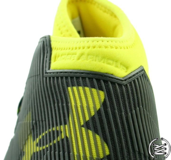 Under Armour Curry 2 5 Black Taxi | Detailed Look and Review 4