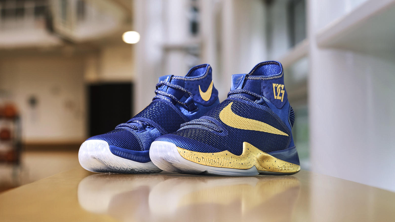 a5ca8ad3422f6 ... switzerland check out draymond greens game 2 pe of the nike hyperrev  2016 1 a3c72 36fce