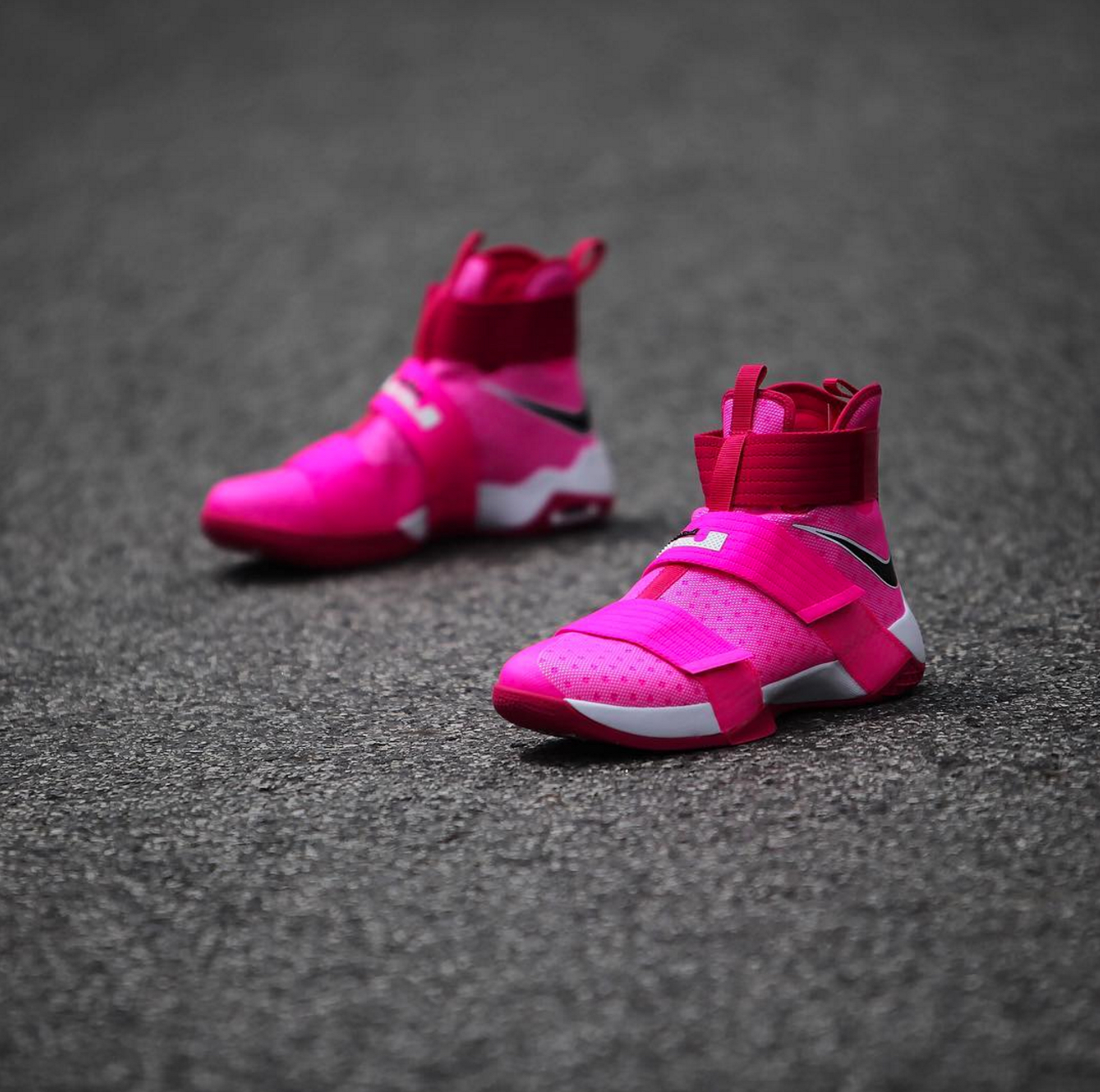 c4afa5d9a54 nike lebron soldier 10 breast cancer 9 · Kicks On Court   Nike ...