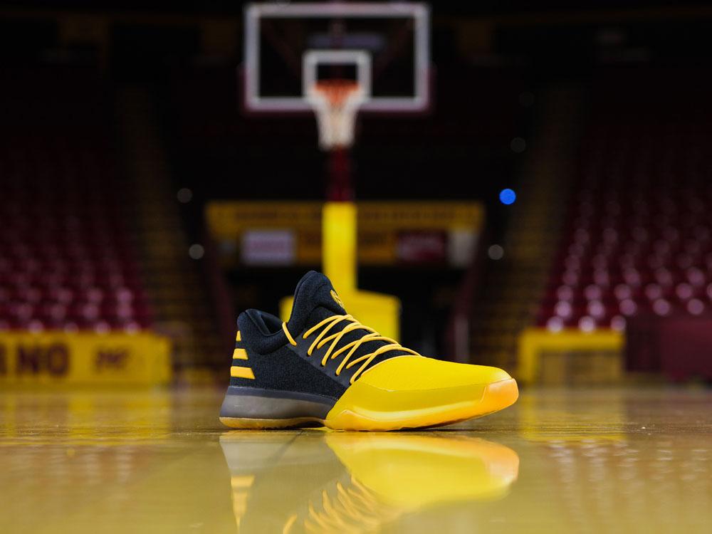 huge selection of 96724 3b5a8 adidas   Kicks On Court ...