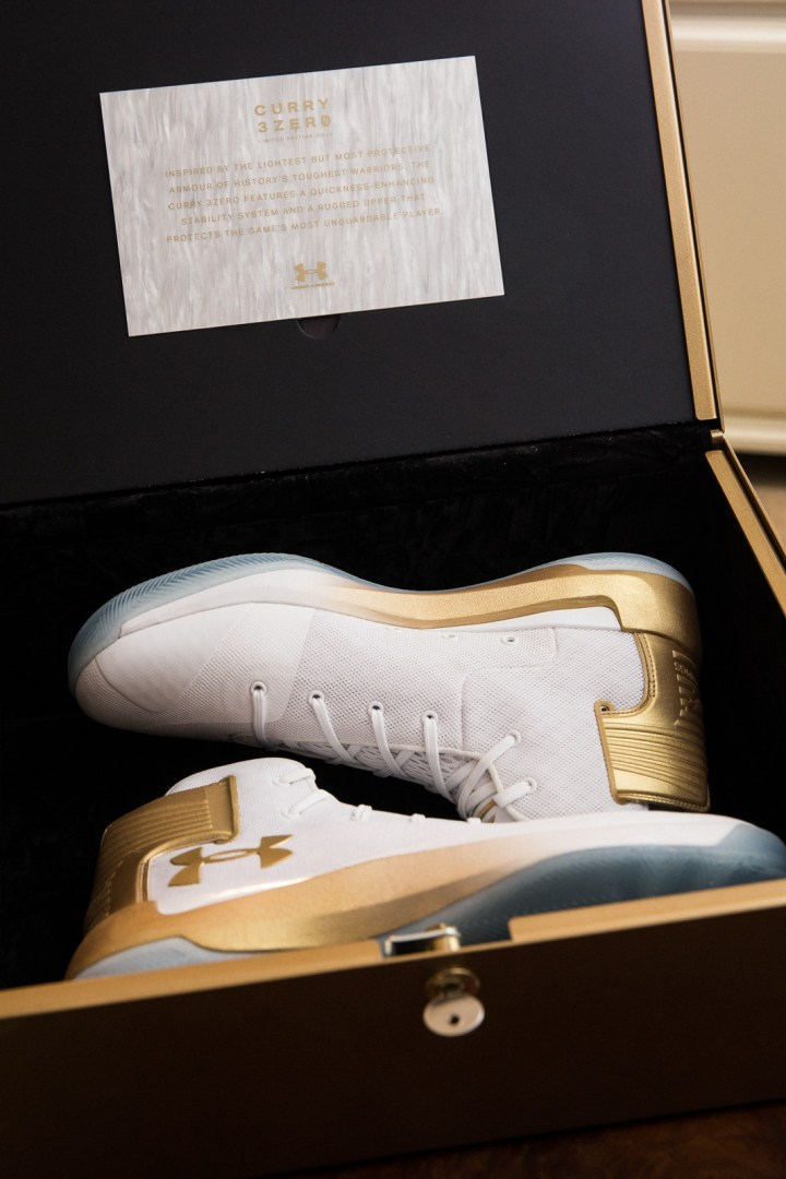 b658b2fb0965 Scavenger Hunt for Gold Curry 3ZER0s Ends with Surprise Curry ...