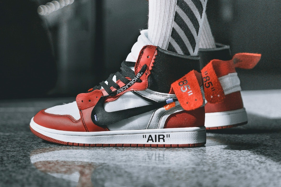 prezzo air jordan 1 off white