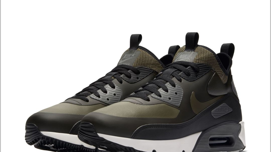 official photos b7fc9 fab2e These Nike Air Max 90 Ultra Mids Get Ready for Winter - Wear