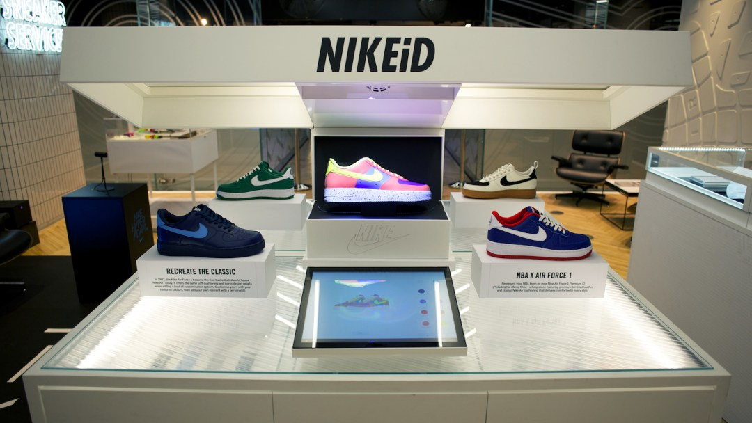 low cost 6a5f3 5f9a5 NIKEiD Direct Studio live real-time customization niketown london 6