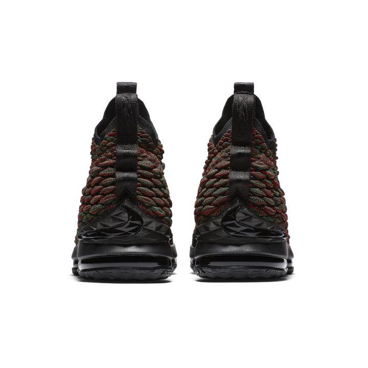 Nike-Lebron-15-bhm-3