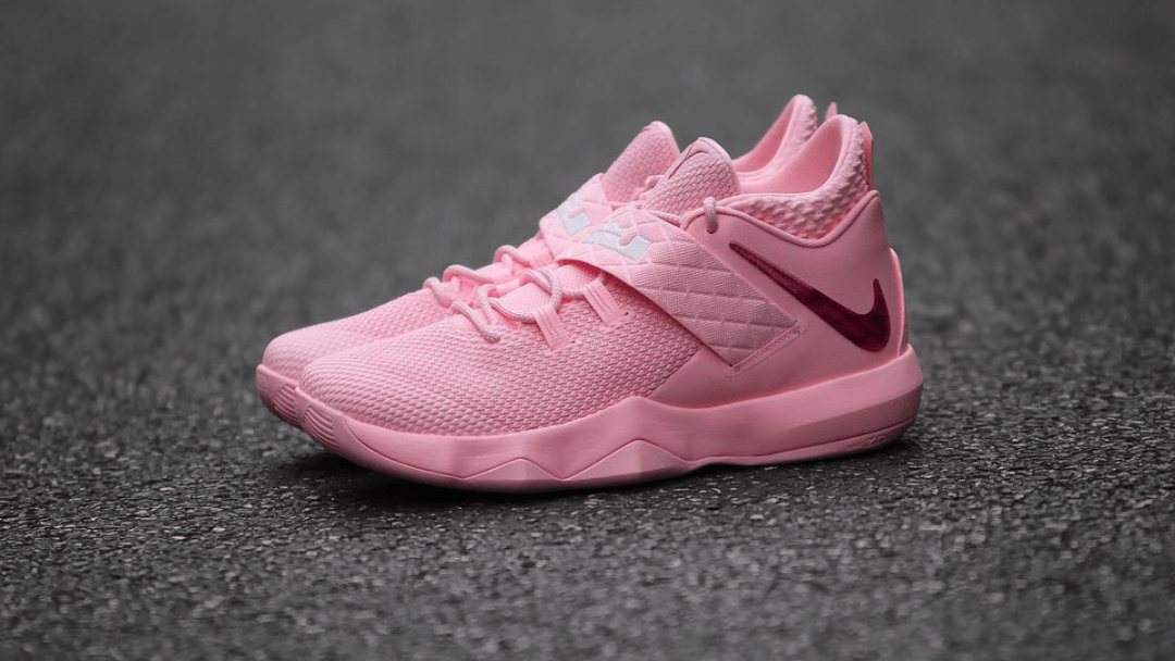 timeless design 550c5 0b625 The Nike LeBron Ambassador X  Kay Yow  for Breast Cancer Awareness ...