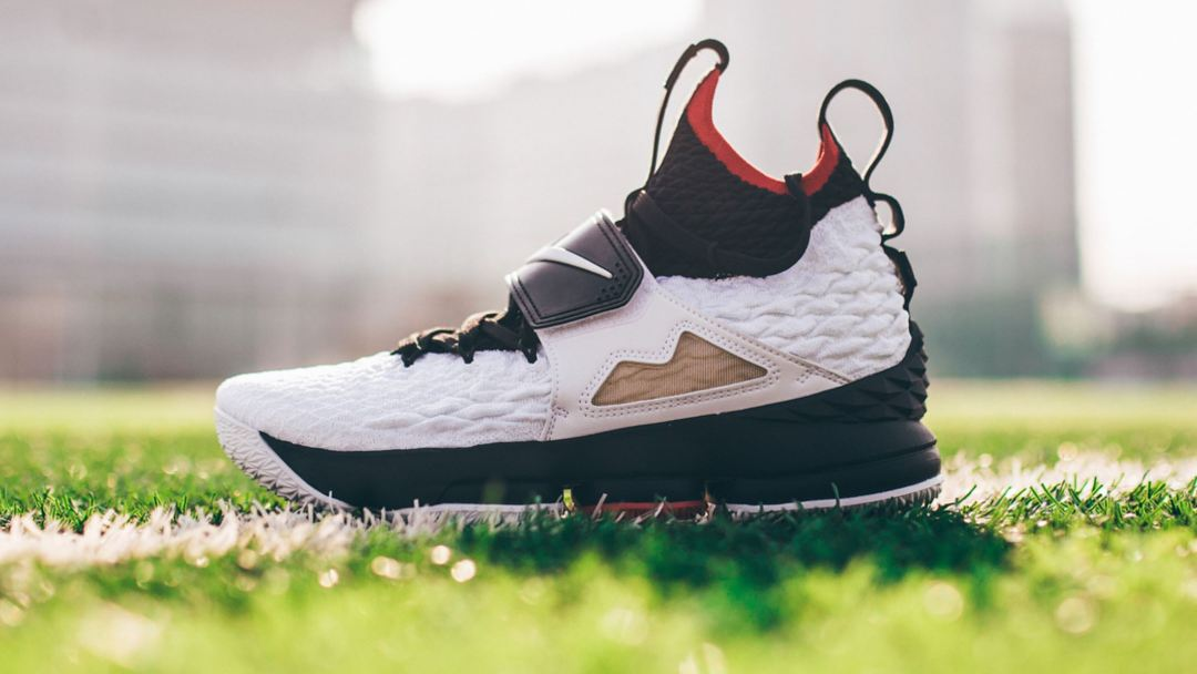 fb90cd43297 Here s a Detailed Look at the Nike LeBron 15  Diamond Turf ...