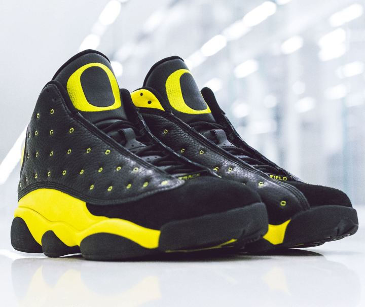 676bce77a203 University of Oregon Ducks Track and Field Team Receive Surprise Air ...