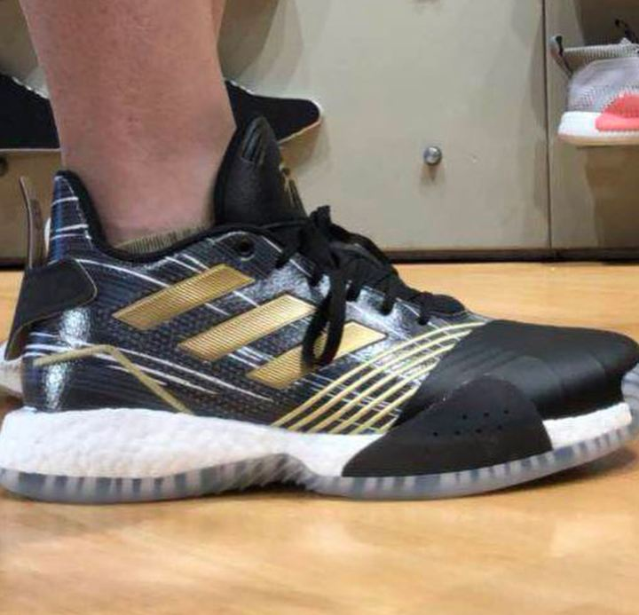 tracy mcgrady new shoe on foot tmac millennium
