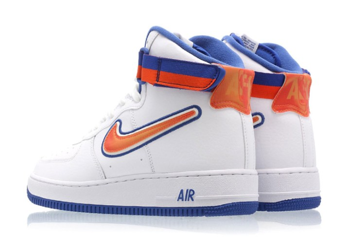 pretty nice 8b0e5 f855d Are you a fan of the New York Knicks-inspired AF1  Let us know in the  comment section below.