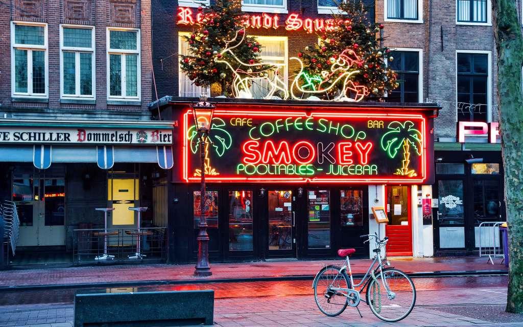 Top 5 Coffeeshops in Amsterdam - Smokey.