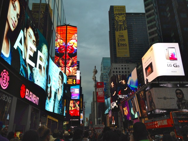 03Times_Square