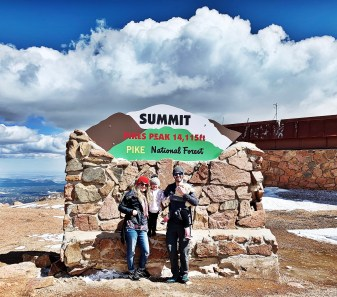 Summit sign of Pikes Peak mountain in Colorado