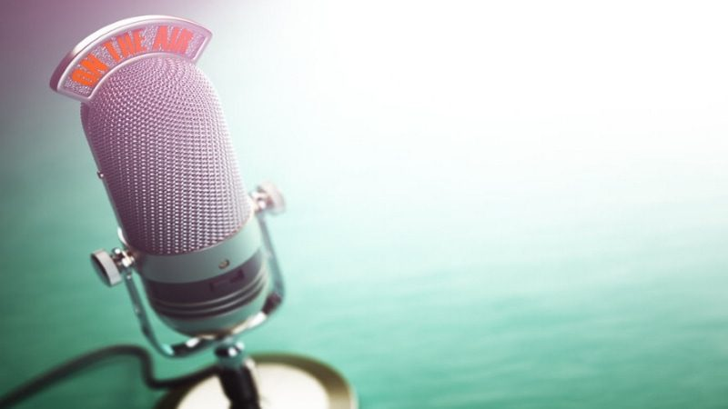 3 Tips to Pitch Podcasters