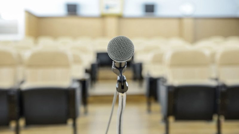 How to Market Yourself as a Keynote Speaker (in 3 NOT Incredibly Simple Steps)