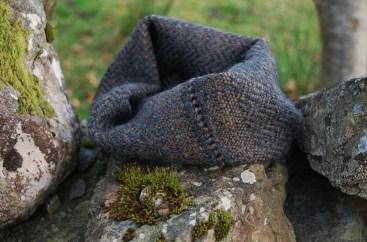 charcoal-alpaca-snug-knots
