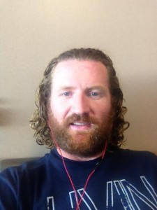Scott Hartnell taking a selfie - they're human too!