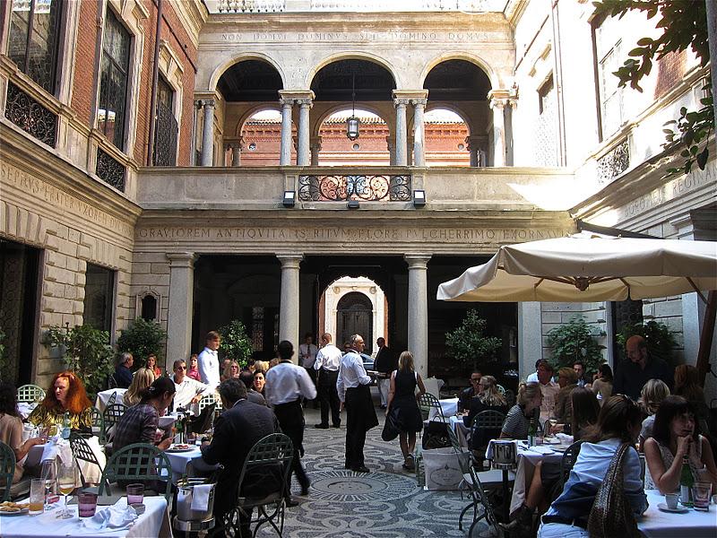 Il Salumaio. Zona Cuadrilátero de la Moda, Milán