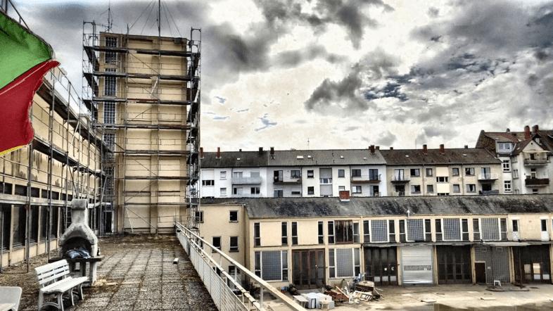 Photo - HDR - Dezernat 16 - Old fire station Heidelberg - Smoking Area