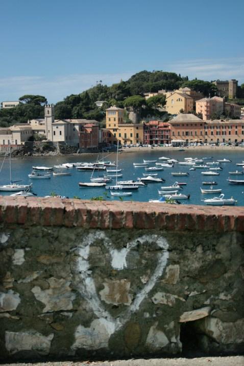 """Auch Gerhart Hauptmann hatte ein Herz für die """"Baya del Silencio"""", die Bucht der Stille, in Sestri Levante. Foto: Julia Marre"""