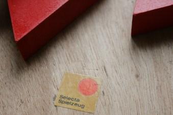 """Ein hübscher Legespaß von """"Selecta"""". Foto: Julia Marre"""