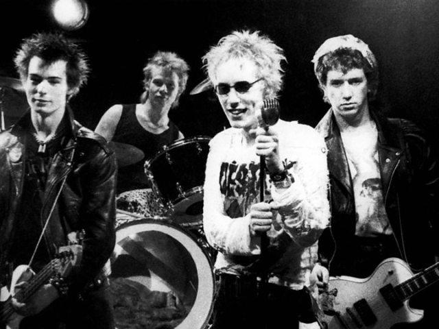 A lire : Punks, not dead !!!