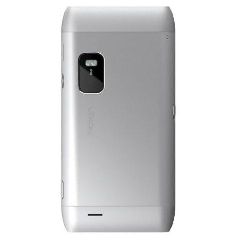 Nokia E7 llega en Abril a América latina - nokia-e7-silver-white-back