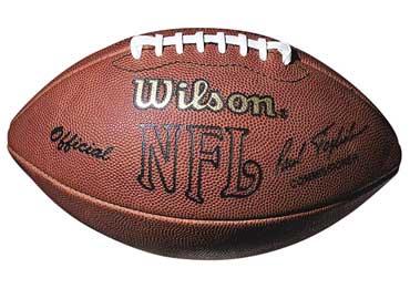 Balones autografiados por jugadores de la NFL son subastados para ayudar a niños con cáncer - balon-nfl