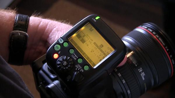 Canon presenta su línea de accesorios para sus cámaras EOS - Syl-Arena-ST-E3-RT-1200