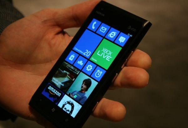 Se muestra un video de consolación para usuarios de Lumia 900 corriendo Windows Phone 7.8 - windows-phone-7