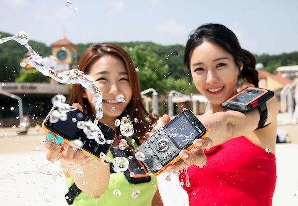 Samsung presenta su nueva videocámara deportiva W350 - Camara-Samung-w350
