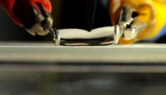 Inventan cuchillo capaz de cortar el agua - cuchillo-corta-el-agua
