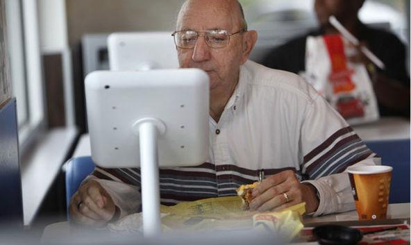 Instalan nuevos iPad en las mesas de 12 McDonalds de Virginia Beach - instalan-ipad-en-mcdonalds