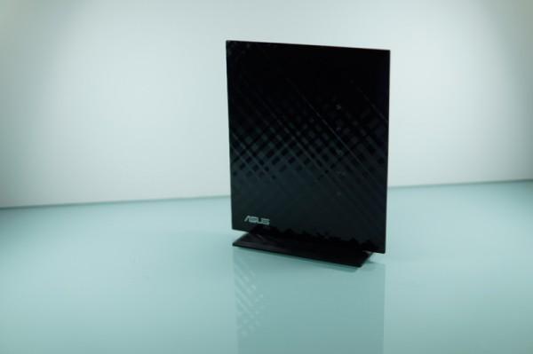 Router ASUS RT-N53 - Asus-RT-N53-4-600x399
