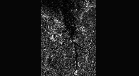 Científicos de la NASA descubren un río de 400 kilómetros en luna de Saturno - imagen-del-rio-en-luna-de-saturno