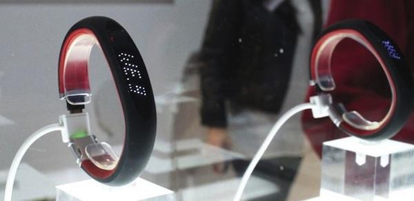 LG Smart Activity Tracker, una pulsera para medir nuestra actividad diaria es presentada en el CES 2013 - LG-Smart-Activity-Tracker