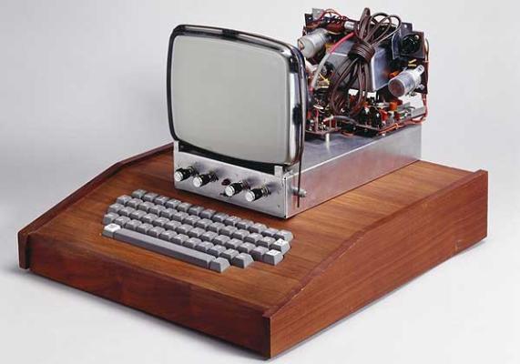 Subastan un ordenador Apple I de 1976 por 671 mil dólares - apple1_1244596i