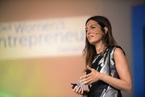 Dell apoyará a un millón de mujeres emprendedoras para el 2015 con «Pay it Forward»