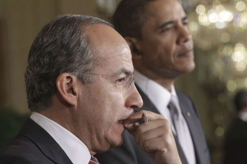 Gobierno mexicano prefería comunicarse por el chat de BlackBerry y no por redes federales - Obama-and-Calderon-800x533