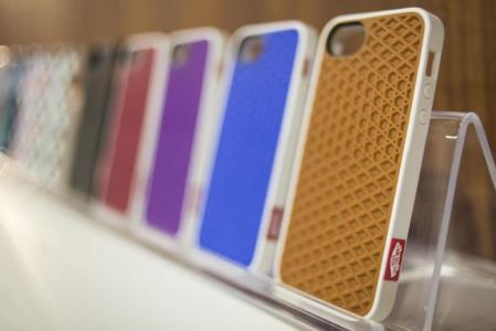 Fundas para iPhone 5 de Belkin con diseños de la marca Vans
