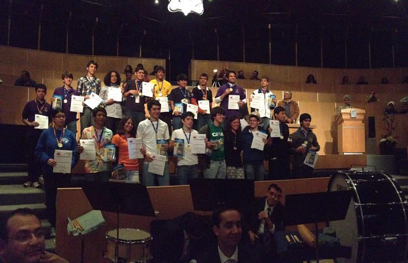 Estudiantes de Chihuahua los mejores en la olimpiada mexicana de matemáticas 2013 - GanadoresOroOMM2013