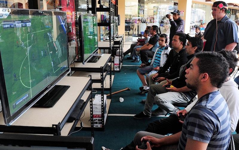Los dispositivos móviles son preferidos por los usuarios para jugar videojuegos en vez de consolas o PC - Videojuegos