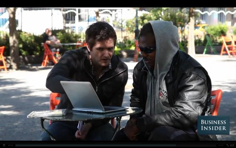 Hombre sin hogar aprende a programar y crea una aplicación para iOS y Android - homeless-trees-for-cars-800x500