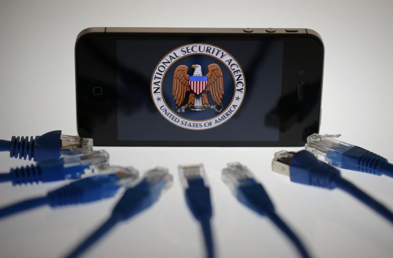 Juez declara legal espionaje telefónico de la NSA - nsa-internet-phone-june2013