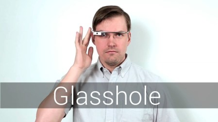 Google publica manual para usar Glass y no verse como un tonto