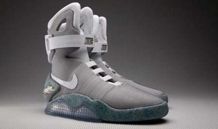 Zapatos autoajustables de Volver al Futuro serán una realidad en 2015